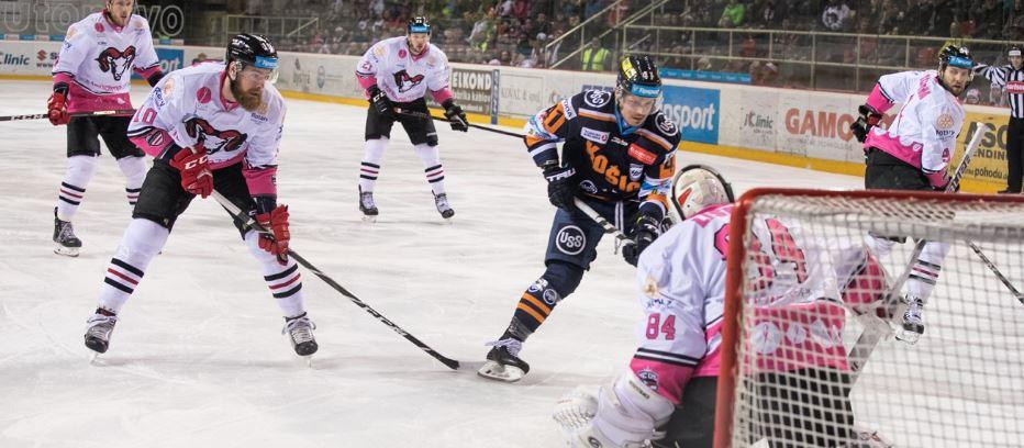 Banskobystrickí hokejisti opäť podporili myšlienku charitatívneho projektu AVON