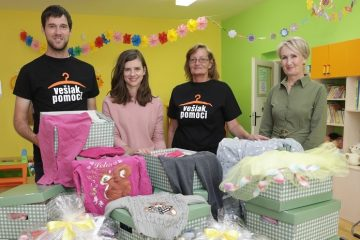 Amazoňácka zbierka Vešiak pomoci podporila ženy a deti v núdzi