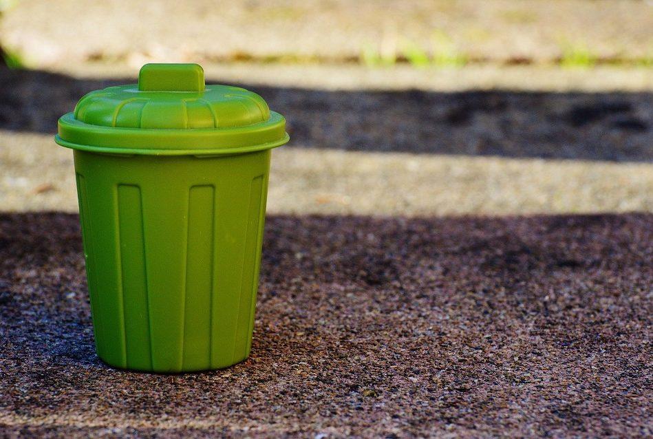 Pohodlné a hygienické triedenie kuchynského odpadu  v domácnostiach